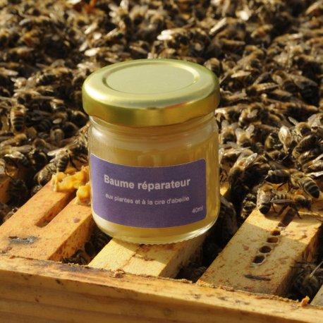 Baume réparateur aux plantes et à la cire d'abeille